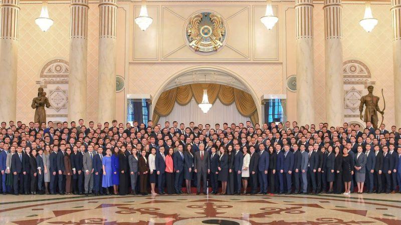 Президент жастармен жүздесті