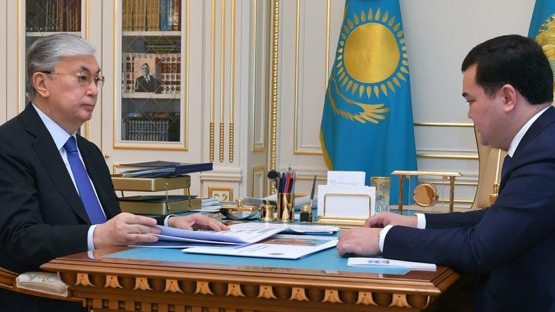 Мемлекет басшысы Қарағанды облысының әкімі Жеңіс Қасымбекті қабылдады
