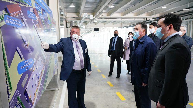 Асқар Мамин Қарағанды облысындағы жаңа өндіріс орындарымен және инфрақұрылымдық жобалармен танысты