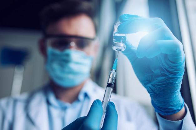COVID-ке қарсы вакцинация: қайта егу қажет болады — иммунолог